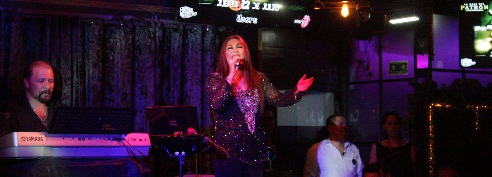 Todo un éxito la presentación de Norma Minell en Puebla.