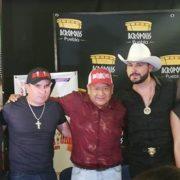 """EL cantante Saúl """"El Jaguar"""" Alarcón, visitó la ciudad de Puebla para adelantar detalles del show que estará ofreciendo este 27 de octubre como parte del Jaripeo junto a """"Los Destructores"""", de Memo Ocampo."""