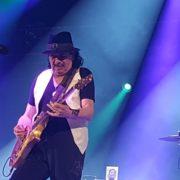 Después de su presentación en él Vive Latino, Carlos Santana logra abarrotar Acrópolis