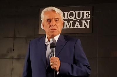 """Enrique Guzmán presenta """"Se Habla Español"""""""