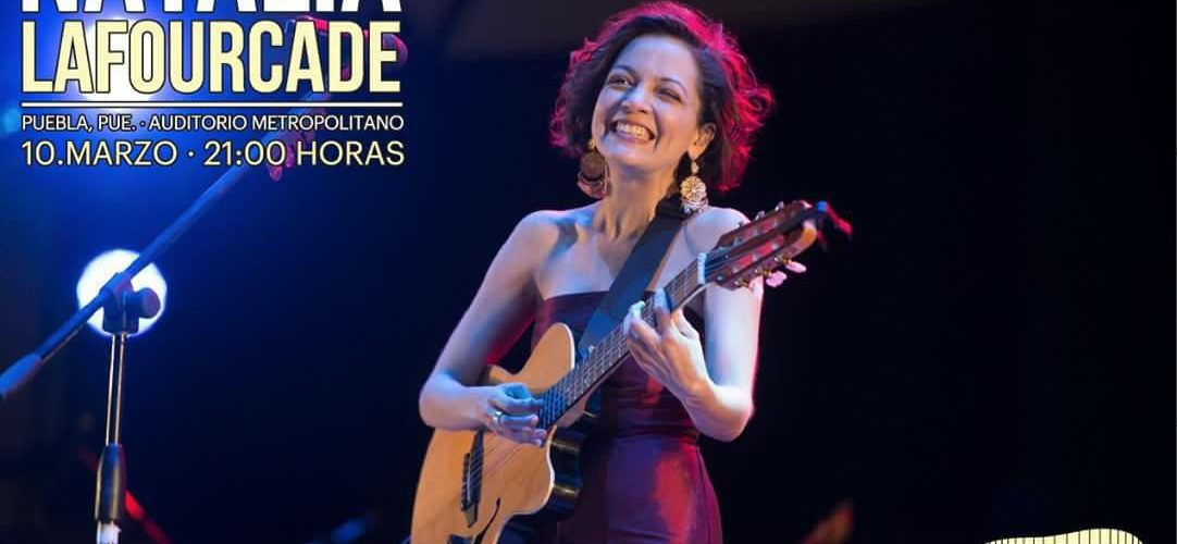 Luego de su participación en los premios Oscar, Natalia Lafourcade se presenta en Puebla